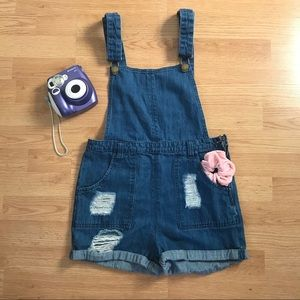 🍒 Vintage overalls